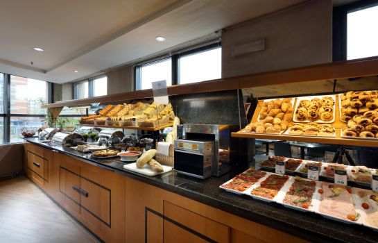 Breakfast buffet Exe Plaza Hotel