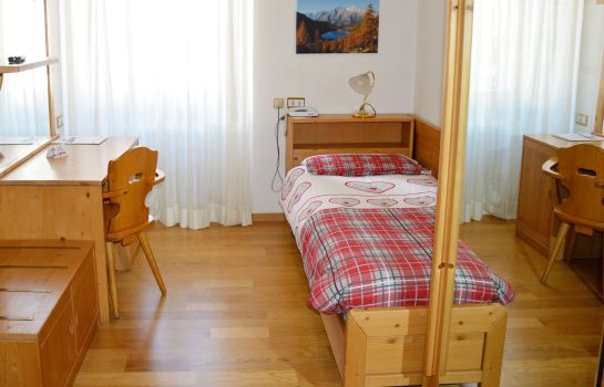 Single room (superior) Pinzolo Dolomiti