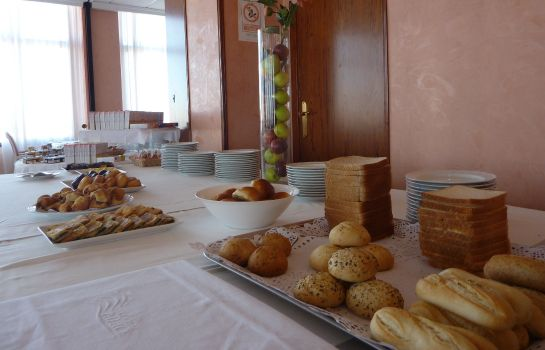 Breakfast buffet Hotel Villareal Palace