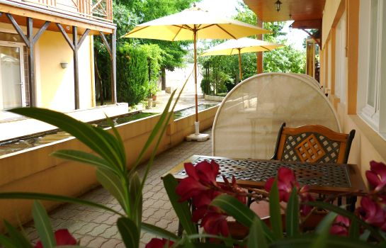 Terrasse INTER-HOTEL Nevers Clos Sainte Marie