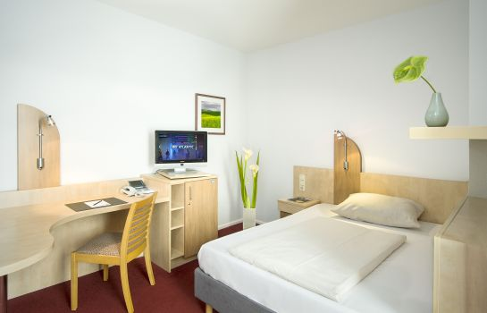 Single room (standard) Junges Hotel
