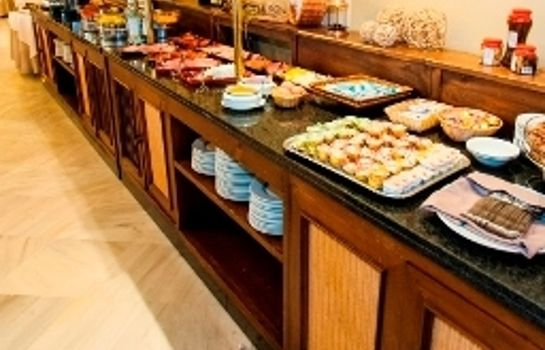 Breakfast buffet Guadacorte Park