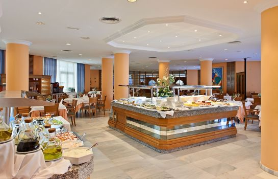 Breakfast buffet Hipotels Bahia Grande Aparthotel