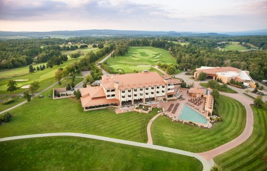 Buitenaanzicht NEMACOLIN WOODLANDS RESORT