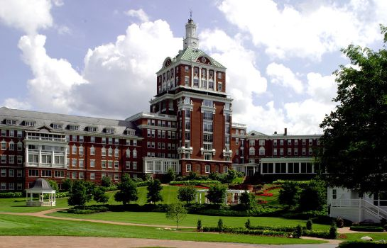 Otoczenie The Omni Homestead Resort