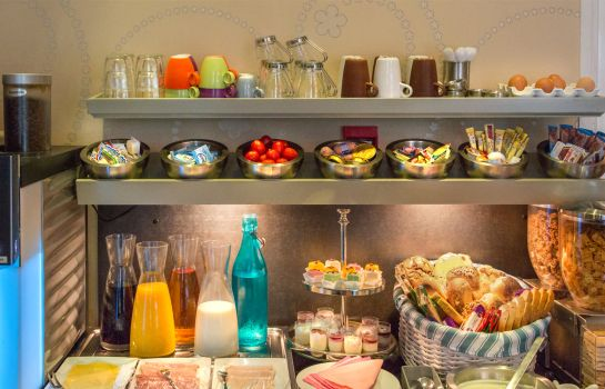 Breakfast buffet Ravel