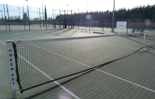 Campo de tennis TorreMirona Golf & Spa Resort