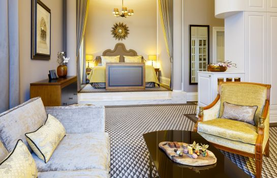Junior Suite Althoff Grandhotel Schloss Bensberg