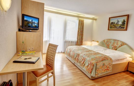 Double room (standard) Beau-Rivage