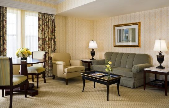 Zimmer The Fairfax at Embassy Row CON