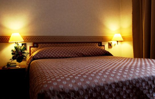 Double room (standard) Ramada Bucharest Majestic