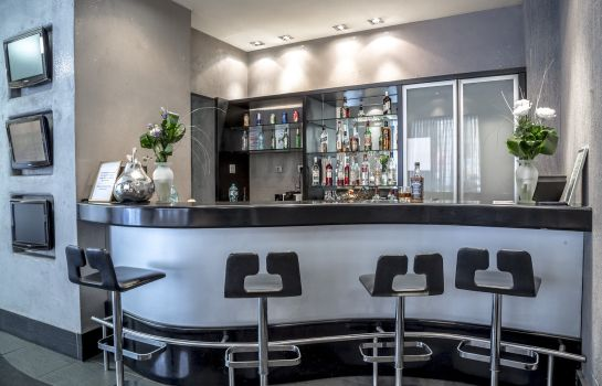 Hotel bar Central by Zeus International