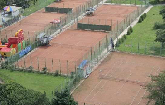 Tennisplatz Univers T