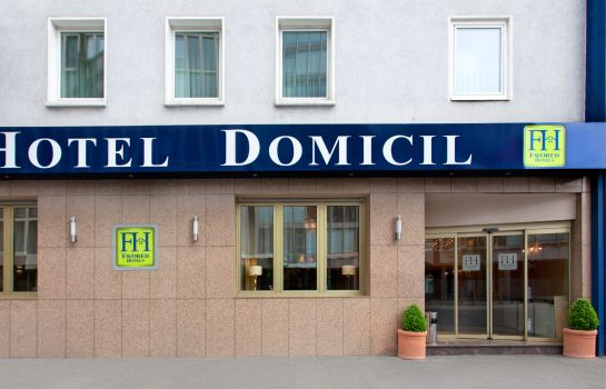 Exterior view Favored Domicil