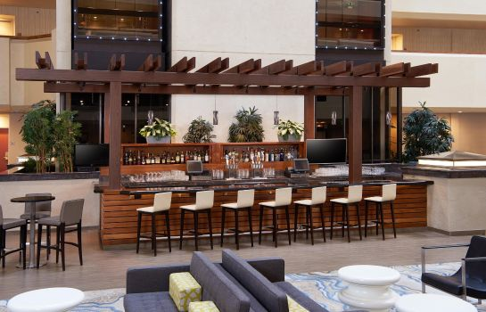 Hotel-Bar DoubleTree by Hilton Fresno Convention Center