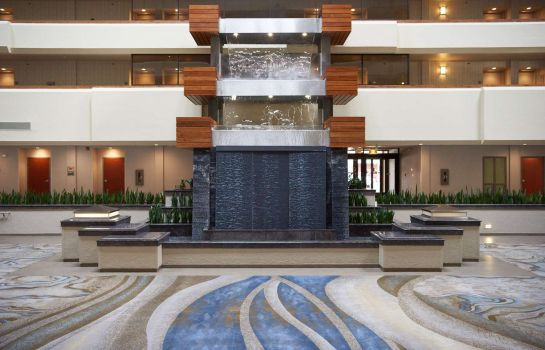 Hall DoubleTree by Hilton Fresno Convention Center