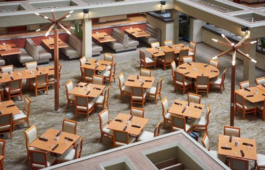 Restaurant DoubleTree by Hilton Fresno Convention Center