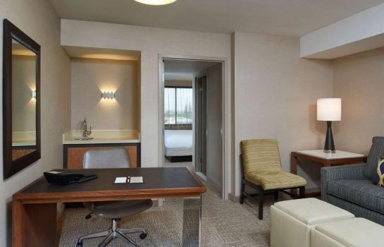 Zimmer DoubleTree by Hilton Fresno Convention Center