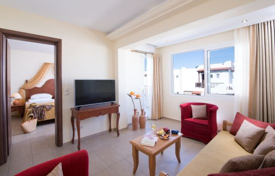 Suite Alexander Beach Hotel & Village