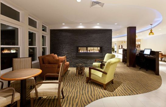 Lobby DoubleTree by Hilton Cape Cod - Hyannis