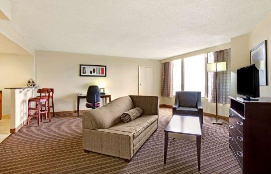 Suite NORFOLK PLAZA DOWNTOWN