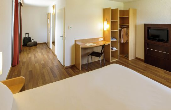 Standard room ibis Zurich City West