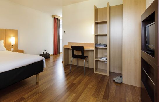 Room ibis Zurich City West