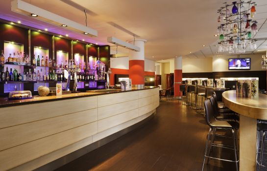 Hotelbar Novotel London City South
