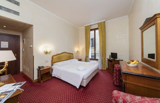 Double room (standard) All'Angelo