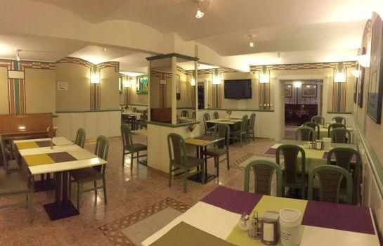 Art Deco Hotel Hoffmann in Kladno – HOTEL DE