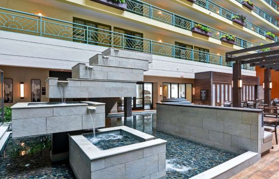 Hall Embassy Suites by Hilton Minneapolis Airport