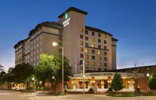 Exterior view Embassy Suites by Hilton Lincoln