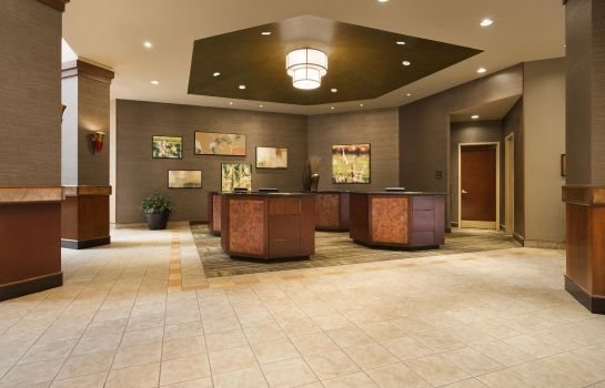 Lobby Embassy Suites by Hilton Lincoln