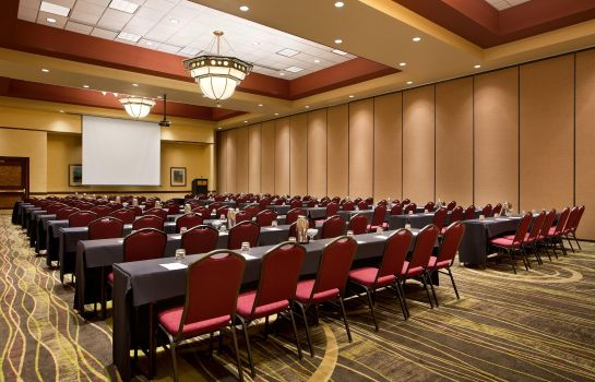 Conference room Embassy Suites by Hilton Lincoln