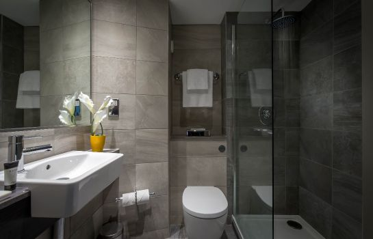 Bagno in camera Maldron Hotel Pearse Street
