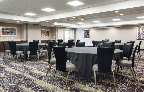 Conference room La Quinta Inn Ste Atlanta Perimeter