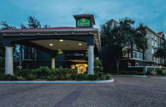 Exterior view La Quinta Inn Ste Bush IAH South