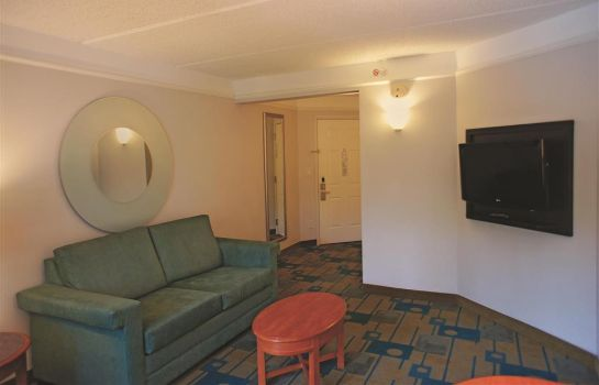Suite La Quinta Inn Ste Bush IAH South