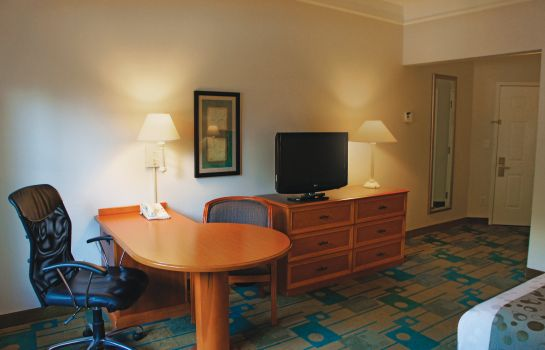 Zimmer LA QUINTA INN STE BUSH IAH SOUTH