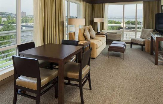 Suite DoubleTree Club by Hilton Boston Bayside