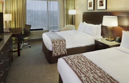Room DoubleTree by Hilton Boston Bayside