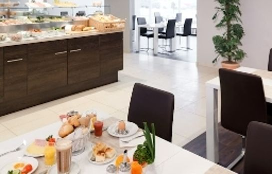 Breakfast buffet Mercure Hotel Berlin am Alexanderplatz