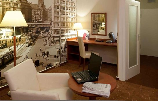 Room Mercure Hotel Berlin am Alexanderplatz