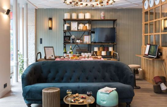 Hotel bar Hôtel Silky by HappyCulture