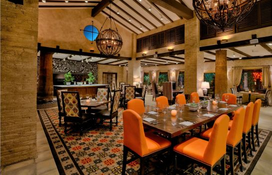 Restaurant ROYAL PALMS RESORT AND SPA