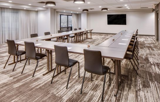 Conference room DoubleTree by Hilton Hotel Jersey City