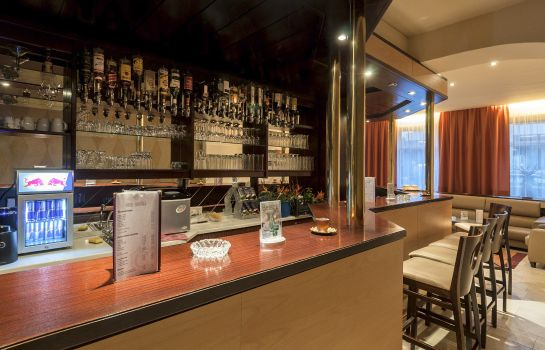 Bar hotelowy Cortina