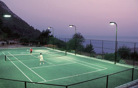 Tennis court Montana Pine Resort All Inclusive