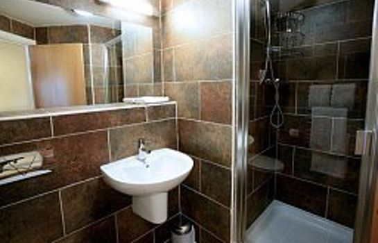 Bathroom RAMADA WARWICK KENILWORTH
