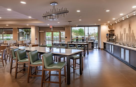 Restaurant DoubleTree by Hilton Dallas-Farmers Branch TX